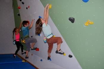 Základy lezení na umělé stěně pro mládež